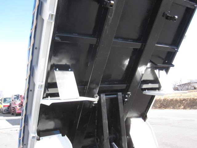 デュトロ 2トンダンプ 全低床 仕上げ済