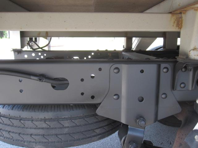 1.5トン4WD平ボデー 車検付きです