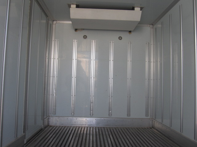 10尺低温冷凍バンサイド付き低走行です。