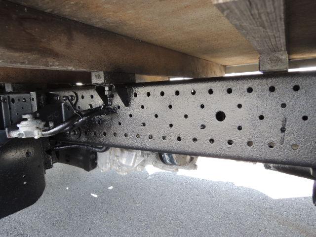 1.5トンパートタイム4WD平ボデーです。
