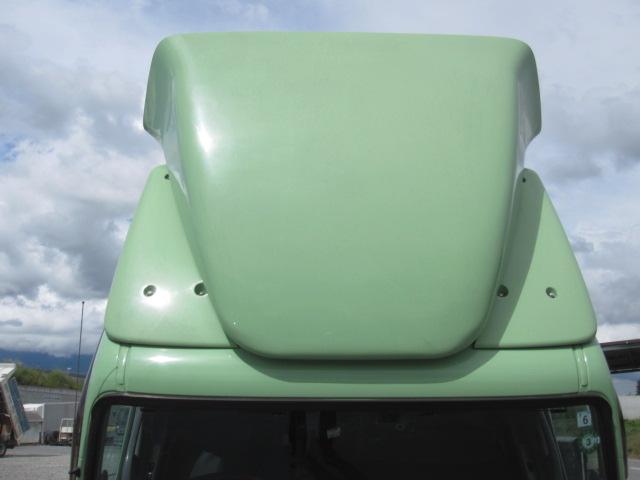 両側サイドスライドドア付き シャッターバンです。